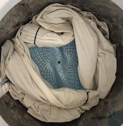 カーテンの洗濯はフックつけたままでもできる?!〜時短で簡単にできる方法!